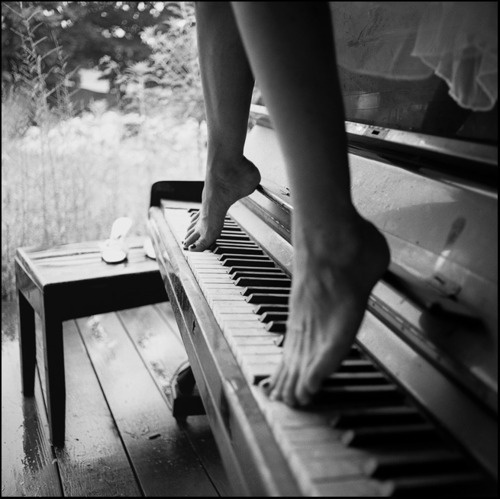 Piano feet